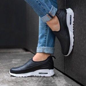 Nike Womens Air Max 90 Ultra Shoes.
